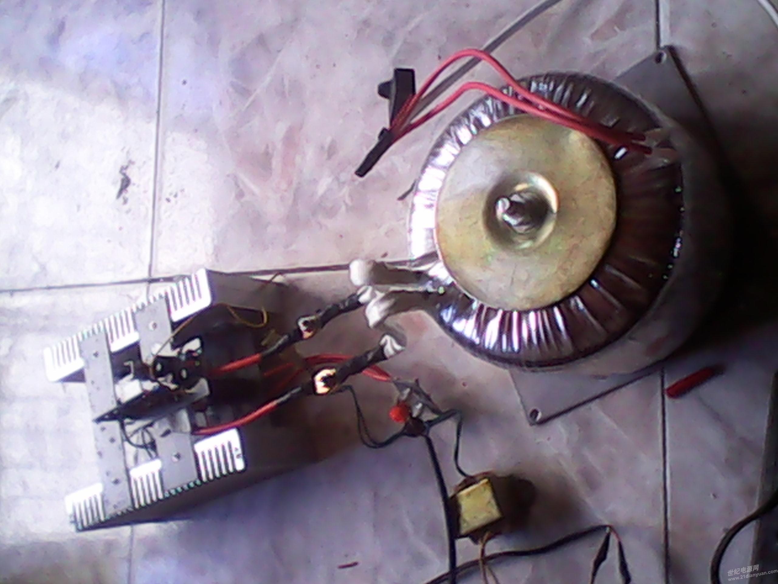 的eg8010板和环牛做了个3000工频逆变器输出电压250伏左右 变压器